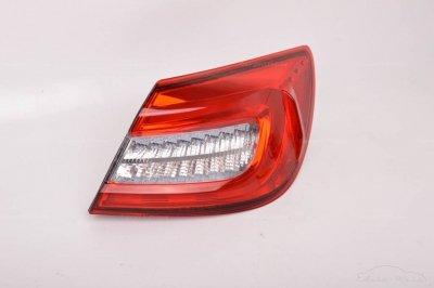 Maserati Granturismo Sport 2013-2019 Front left + right headlight light LHD