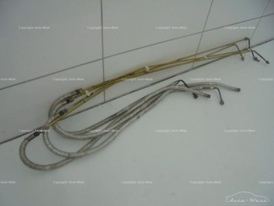 Ferrari 550 Maranello F133A Oil pipes hoses cables