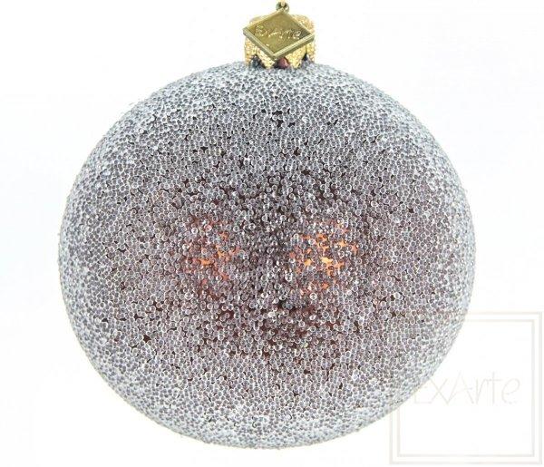 oszroniona brązowa bombka świąteczna