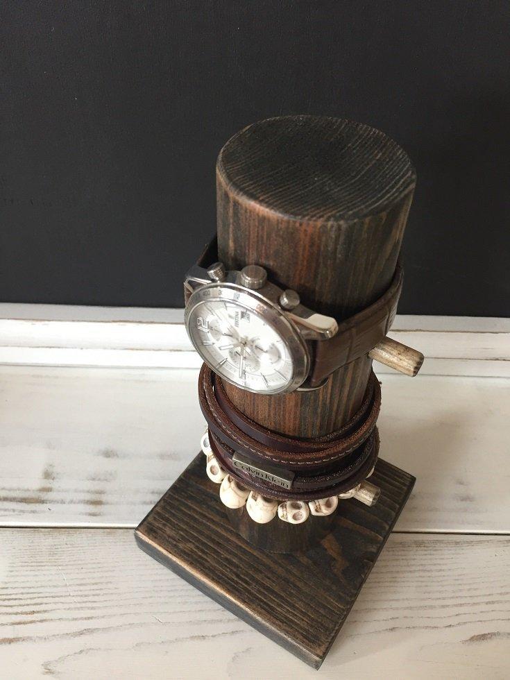 Drewniany stojak na zegarek heban