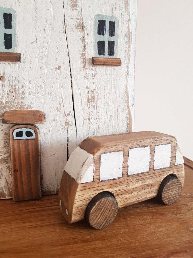 Drewniane autko autobus