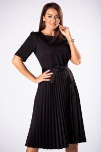 elegancka sukienka z plisowanym dołem z ozdobnymi guzikami oraz paskiem