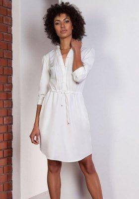 Koszulowa sukienka z delikatną stójką