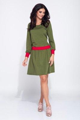 Sukienka w sportowym stylu z kontrastującymi kolorystycznie mankietami i wstawką w pasie