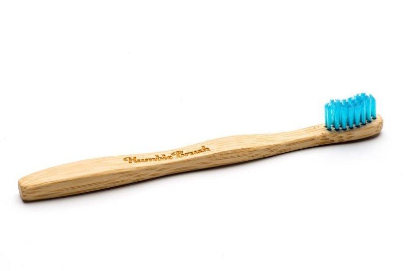 Humble Brush Szczoteczka dla dzieci, bambusowa ULTRA SOFT niebieska 14,5cm.