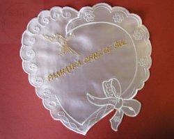 Szatka serce z kokkardą białe ze złotym haftem