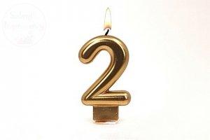 Świeczka urodzinowa cyferka złota 2
