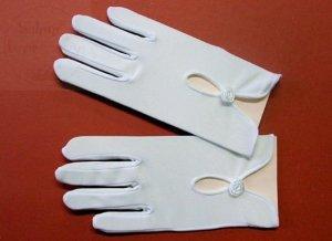 Białe rękawiczki komunijne błyszczące z różyczką