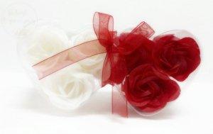 Mydelane , pachnące różyczki  w pudełeczku-6 szt