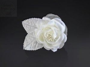 Satynowe róze na przyssawkach - kremowe