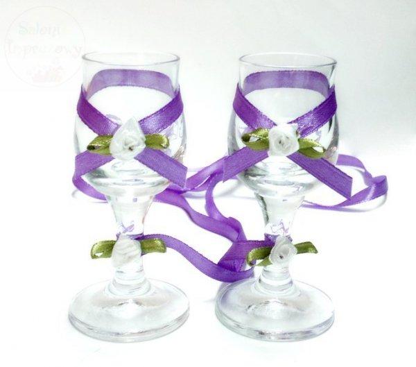 Kileiszki do wódki z fioletową dekoracją  2szt