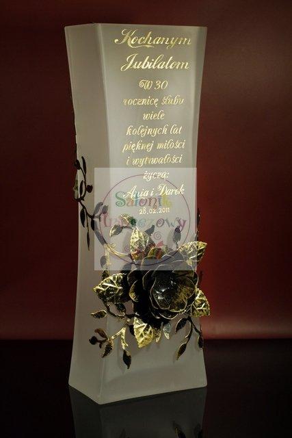 Wazon Alf grawerowany z różą prezent na rocznicę j