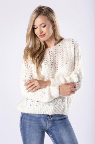 ażurowy sweter z długimi, nietoperzowymi rękawami