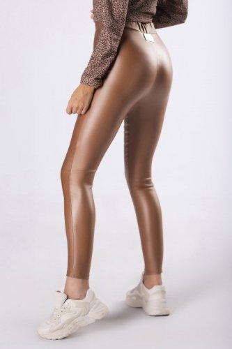 woskowane legginsy