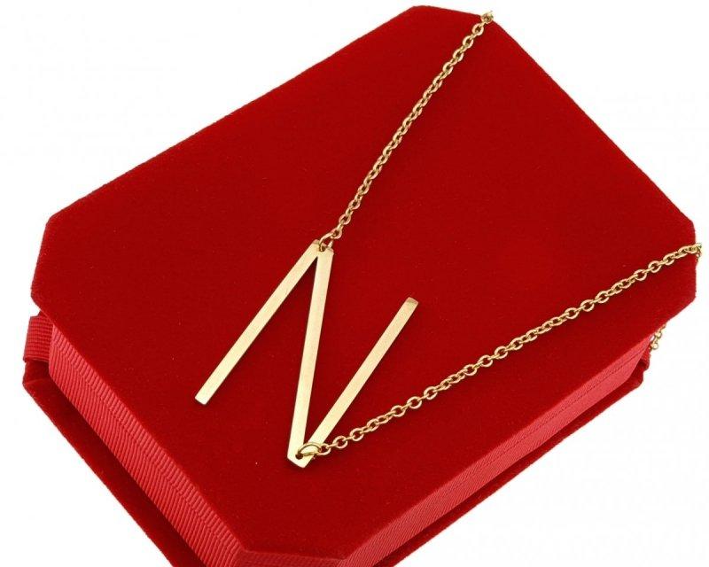 0216 Złoty łańcuszek celebrytka naszyjnik literka N stal chirurgiczna