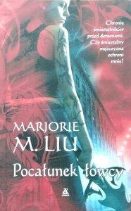 Marjorie Liu • Pocałunek łowcy
