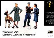 Master Box 3557 Women at war - Luftwaffe Helferinnen (1:35)