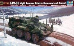 Trumpeter 00371 USMC LAV-C2 Light Armored Vehicle-Command&Control (1:35)
