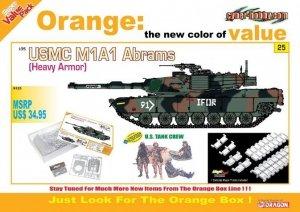 Cyber Hobby 9125 USMC M1A1 Abrams (Heavy Armor) U.S. Tank Crew 1/35