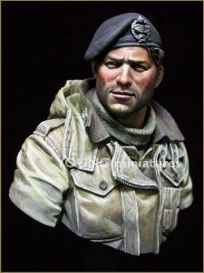 Young Miniatures YM1835 British Tank Crew WWII 1/10