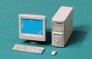 Eureka XXL E-060 PC with CRT Monitor 1/35