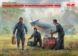 ICM 32109 German Luftwaffe Ground Personnel (1939-1945) (3 figures) 1/32