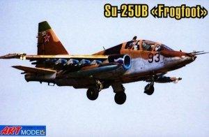 Art Model 7212 Sukhoi SU-25UB Frogfoot (1:72)