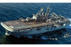 Hobby Boss 83407 USS Bonhomme Richard LHD-6 1/700