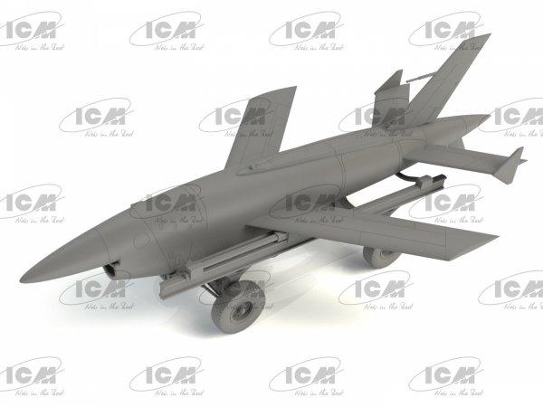 ICM 48401 BQM-34A (Q-2C) Firebee with trailer 1/48