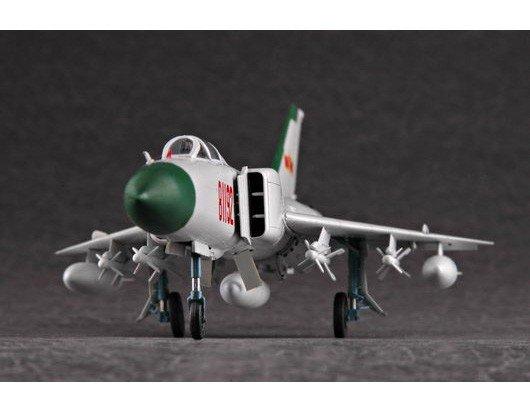 Trumpeter 01610 Shenyang F-8 Finback-B (1:72)