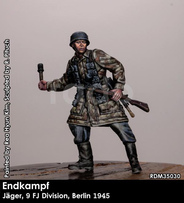 RADO Miniatures RDM35030 Jäger, 9. FJ Division, Berlin 1945 1/35