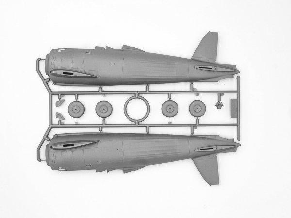 ICM 32024 CR. 42CN WWII Italian Night Fighter 1/32
