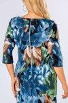 wzorzysta sukienka z kokardą na plecach