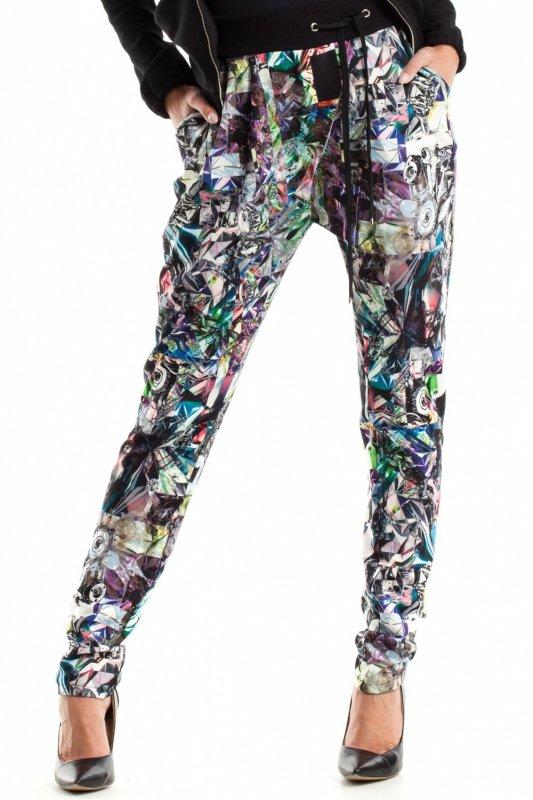 Spodnie-Damskie-Model-MOE266-Geometria-Multicolor