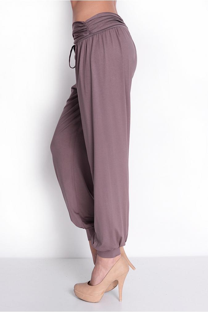 Spodnie-damskie-plus-size-xl-xxl-dla-puszystych--ALLADYNKI-dlugie-luzne-brazowe-cappucinno-bok