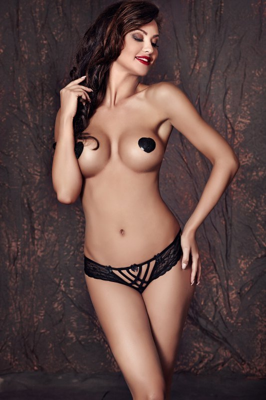 Figi Model Connie Black