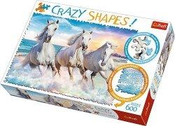 TREFL Puzzle 600 el. Crazy Shapes Galop wśród fal (11111)