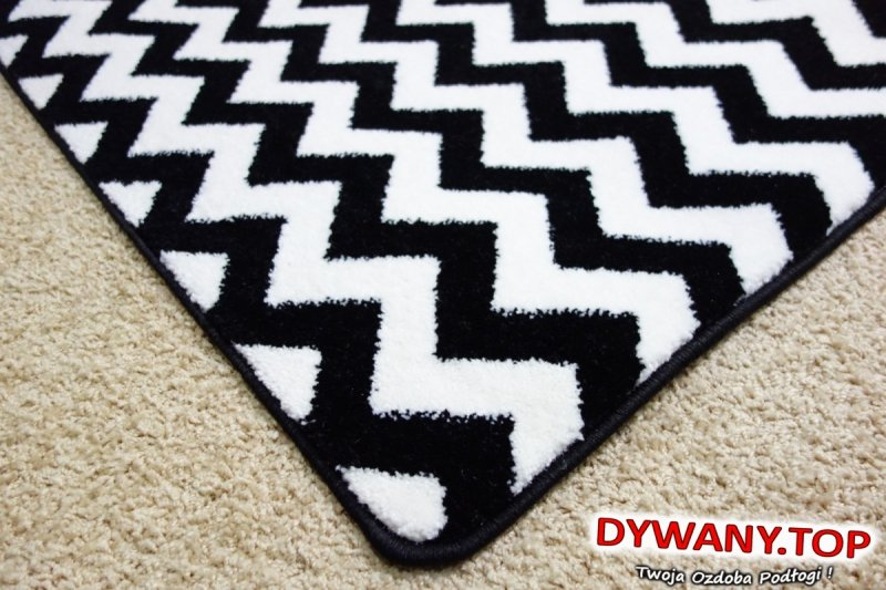 dywany czarno-białe