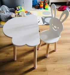 Zestaw dziecięcy stoliczek chmurka i krzesełko królik
