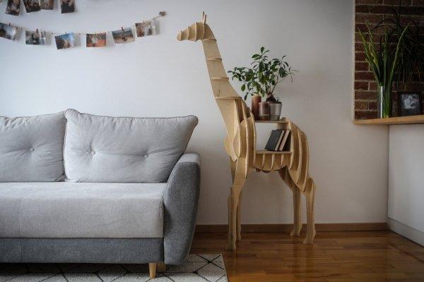 Nowoczesna półka parametryczna żyrafa