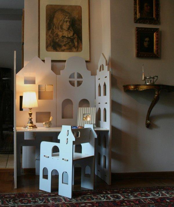 Parawan – biurko dziecięce 2 w 1