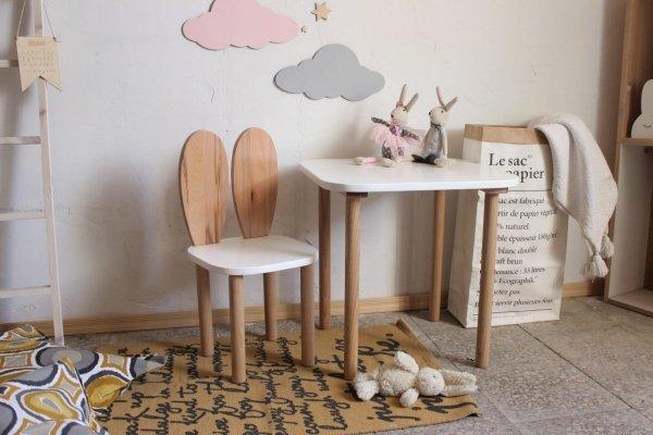 zestaw-stolik-kwadrat-krzesło-królicze-uszka-03