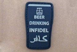 Naszywka 3D - Beer drinking infidel - Black