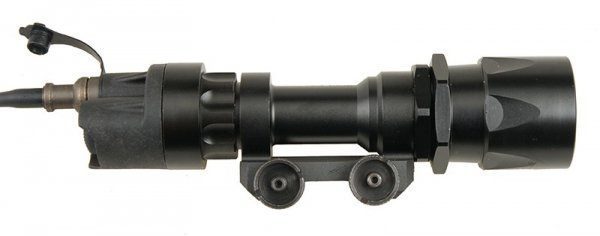 Latarka taktyczna typu eM951 188 lm