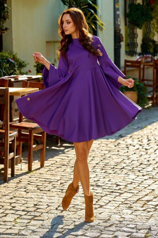 Zjawiskowa sukienka z rozszerzanymi rękawami L277 fiolet