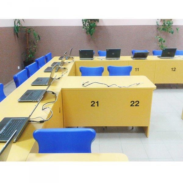 pracownia językowa,wyposażenie pracowni językowej,sale językowe,wyposażenie sal językowych,meble do sali językowej
