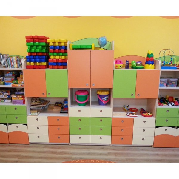 zestaw mebli przedszkolnych,meble przedszkolne,szafki przedszkolne,szafki z szufladami,szafki kolorowe