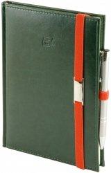 Notes A5 z długopisem zamykany na gumkę z blaszką - papier biały w kratkę - oprawa Nebraska zielona (gumka pomarańczowa)