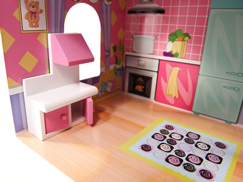 Domek-drewniany-dla-lalek-Różowa-Willa-70cm-LED-12