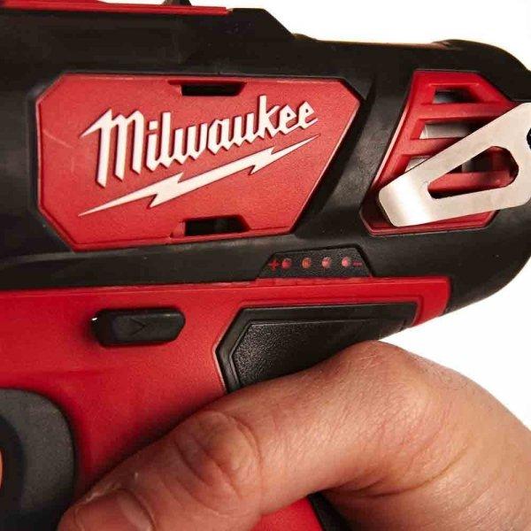 Wiertarko - wkrętarka udarowa Milwaukee M12 BPD-402C